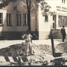 1953 KF